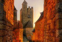Zamki Chateaux Castillos Castles