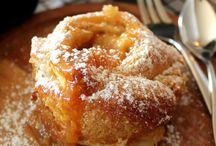 Desserts / by Cara Mamer