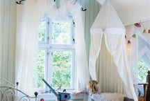 Girl's room!