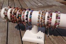 Karma Armbanden / Karma sieraden, armbanden colliers en oorbellen