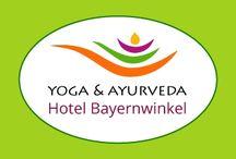 Stellenanzeigen / In unserem familiengeführten Aktivhotel mit den Schwerpunkten Yoga & Ayurveda, betreuen wir unsere Gäste persönlich, auf höchstem Niveau und mit Leichtigkeit.  Hier auf dieser Pinnwand veröffentlichen wir die neuesten Stellenanzeigen unseres Hauses. Willst auch du ein Teil des Bayernwinkel-Teams werden? Dann freuen wir uns auf Deine aussagekräftige Bewerbung!