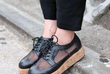 Madame shoe-shoe