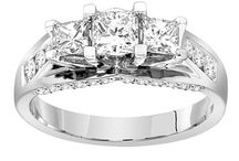 14k White Gold .50 cttw Princess-Cut Center Diamond Three Stone Engagement Ring (1.50 cttw, H-I Color, I1-I2 Clarity