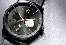 LG G Watch R / The LG G Watch R joints the select group of smartwatches with a circular design. LG has added to the circular sphere smartwatches, and their attractive designs, plus an advanced Android Wear operative system, make it one of the most interesting smartwatch nowadays.
