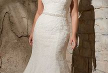 Wedding dresses for curves