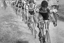 Cyklistické závody / Cycling Races / Cyklistické závody a závodníci. / Cycling races and racers.