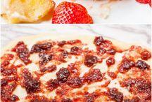 Mansikka -Zinnamoni  Juustu kakku. Maasikas.