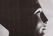 Great women / Nofretete, Cleopatra, Mata Hari, Frida Kahlo, Edith Piaf, Eva Peron, Mother Theresa, Audrey Hepburn, Helen Richey, Frida Kahlo, Catherine the Great, Alexandra David-Néel, Amelia Earhart, Marlene Dietrich
