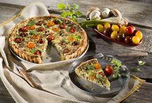 Quiche und Tarte - Hier sind die französischen Klassiker-Rezepte zu Hause. / Du suchst nach den lecker-Französischen Rezepten für Quiches und Tartes? Hier zeigen wir dir alles von der klassischen Quiche bis zur außergewöhnlichen Tarte.