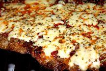 RECETA Matambre a la pizza a la parrilla LOCOS X LA PARRILLA / Bueno amigos locos x la parrilla. Hoy les traigo una receta deliciosa y cada vez más popular entre los parrilleros argentinos. Estoy hablando de Matambre a la pizza a la parrilla que incluye la receta de una salsa muy fácil pero tan rica y deliciosa como otras más complejas.  Que te pareció? lo vas a hacer?
