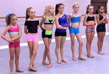 Dancers on dance moms