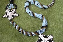Coliere handmade / Coliere realizate manual de pe http://xandrastyle.ro/