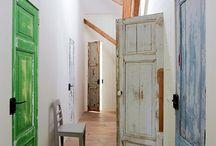Inspiracje - drzwi / Interesujące projekty drzwi drewnianych i nie tylko