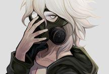 Nagito Komaeda | Комаэда Нагито / Комаэда впервые появляется в прологе как добродушный и вежливый парень, однако во время первого суда показывает всем свой безумный характер. После он начинает бредить о том, что надежда, созданная путем уничтожения отчаяния — самое прекрасное чувство, которое только есть в этом мире. Комаэда считает, что его специальность даже близко не стоит со специальностями одноклассников, ибо вызывает лишь жалость от того, что он родился без какого-то особого таланта.