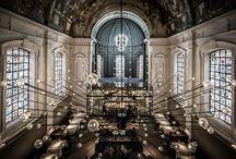 Architectuur en verlichting by Verlichtmeubilair / Hier tonen we je allerlei architectonische kunstwerken die we tegenkomen waar verlichting een centrale rol speelt. Laat je inspireren!