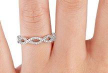 Romantic jewelry gifts / by Josie O'Daniell