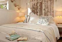Beach house style / Driftwood bedroom