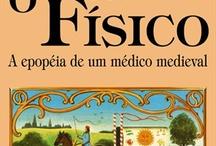 Livros / by Daniella Trivellato