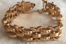 COLECCIÓN JOYAS / Encuentra la joya perfecta, pulseras, broches,collares, medallas, anillos, esto y mas en CompraVentaColeccion; http://www.compraventacoleccion.com/joyeria-42