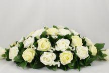 Lemon Wedding Theme / Lemon colour themed wedding flowers by Petals Polly. www.petalspollyflowers.co.uk