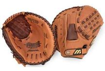 Softball Catchers Gloves / Softball Catchers Gloves or Mitts are designed differently to Baseball Catchers Gloves. It is always good to keep in mind when looking to buy a Catchers Glove that these Gloves get a lot of use, more than any other type of Softball Glove.
