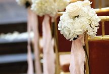 Champagne and Blush Aisle & Arch Decor / Make your own wedding aisle decorations and arch decor with a kit from itsbyu.com! We give you all the flowers and base materials, and a streaming video tutorial. You just supply scissors and water, and you're done in a snap! It's IKEA for flowers! We can customize any style just for you and you'll save $$$ off a florist. Visit us online at itsbyu.com or email us at hello@itsbyu.com and we'll send you a free quote on your kit!