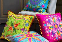 Cushions / Handcrafts and beautiful cushions from the world