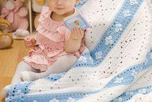 deky polštáře koberce