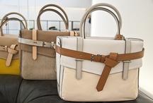 Bags - Luuuve them !!! / by Lorena Facchinetti