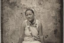 """Luo Dan Photography / Luo Dan, geboren 1968 in China. Leeft en werkt nog steeds in China. """"As photography grew ever more technologically complete, it drifted ever farther from its earliest starting point. External factors entered in, and its purity was gradually lost.  Met deze instelling gaat Luo Dan aan de slag met een """"Wooden Box"""" die hij op een markt op de kop kan tikken en werkt met het """"collodium"""" of """"natte plaat"""" procédé.  Zo ontstaat de serie """"Simple Song"""". / by Dany Vantomme"""