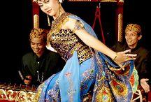 culture & dance of IDn.