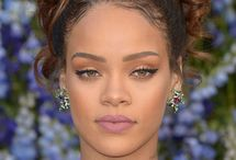 Celebrity Makeup / Want to look like a celebrity? Try our celebrity makeup tips that would give you celebrity style look.