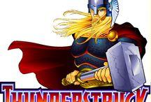Thunderstruck / La video slot Thunderstruck è stata la prima ad avere Thor come protagonista nel mondo del gioco online. Provala al casinò italiano Voglia di Vincere e, insieme agli dei nordici, fatti aiutare dai simboli scatter ad attivare le giocate gratuite (durante le quali le vincite vengono triplicate) per avvicinarti al jackpot.