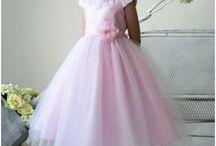 Beautiful summer flower girl dresses / Beautiful flower girl and bridesmaids dresses for little girls for summer weddings