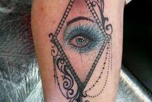 Love heart makeup glitter eye - Sophieadamson_tattoo