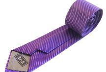 Corbatas de Lunares / Las corbatas de lunares son la última moda. Elegantes y atrevidas, puedes elegir entre muchas variedades y colores.