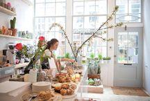 Cafés/restaurants / Découvrir la déco que peut revêtir certains cafés ou autres restaurant, tel est le but de ce tableau original.