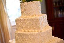 wedding cakes / by Erin Tidwell