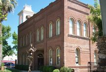 Old City Hall / Old City Hall building is located in Redding, California. This beautiful, over 100-year old building serves as a public art and media center, housing an art gallery, performance hall, a public access television station and the offices of Shasta County Arts Council.