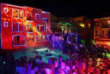 Byblos Party 2013 - De La Soul - Mika / Le 18 juillet 2013, le temps d'une soirée le Byblos de Saint-Tropez, accueillait Mika, ainsi que Breakbot au cœur du Palace, devant un parterre de célébrités, d'amis et de clients fidèles…