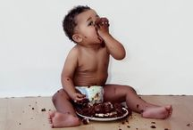Cake Smash Baby Photography London / You can have a fun and unique cake smash portrait photo-shoot to celebrate your baby's 1st birthday. London portrait photography. http://www.kimrixphotography.co.uk/newborn-baby-portrait-photography/