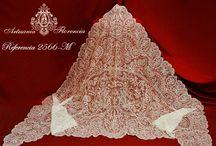 Mantillas de tres picos / Mantillas o chales de tres picos, prendas para la Novia, Madrina o para complementar el vestido de Fiesta.