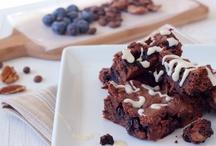 Paleo | Eat A Cookie / paleo brownies, bars, cookies, cakies  #paleo #glutenfree #dairyfree #grainfree