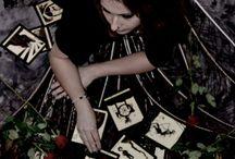 """""""Cartomancienne"""" Shooting Photo / Shooting photo pour la boutique Terra Odéria sur le thème du Tarot, voyance."""