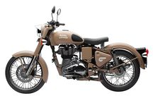 """Royal Enfied Classic DESERT STORM / The Classic Desert Storm comes to you with a """"sand"""" paint scheme reminiscent of the war era, a time when Royal Enfield motorcycles proved their capabilities and battle worthiness by impeccable service to soldiers in harsh conditions of the desert."""