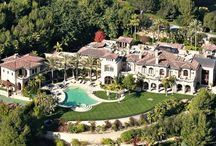 Celebrity Homes / by Julia Gray Carswell