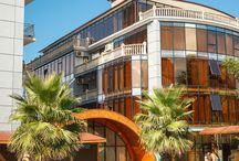Сеть Отелей ЭкоДом в Адлере и Сочи / Сеть отелей ЭкоДом идеально подходит как для семейного отдыха, так и для деловых поездок. Удобное расположение и богатая инфраструктура наших отелей не оставит равнодушным ни одного гостя.