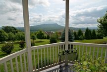 Homes With Views / Homes in Harrisonburg and Rockingham County, Virginia, with amazing views of mountains, valleys, fields, farmland, vistas, cities, towns, and even James Madison University.