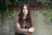 Danielle Haim / I am in love with her.