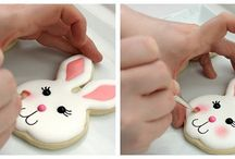 Cookie Decorating Tutorials / Everything you need to know to turn your cookies into works of art! Find tutorials for decorating with icing, chocolate, and more. Contributors: Please make sure all pins link directly to a complete tutorial. Links to the original source are preferred. Thanks! :) / by Janine (sugarkissed.net)
